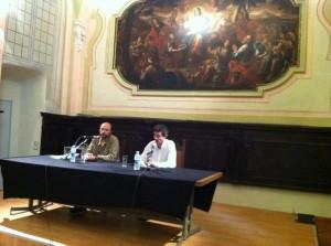 Mauro Covacich dialoga con Lorenzo Pavolini nel Refettorio di San Paolo Maggiore